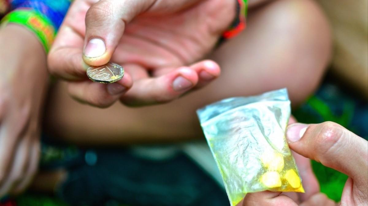 9 Euro Gewinn pro Pille: Einblicke in die Arbeit eines Festival-Dealers