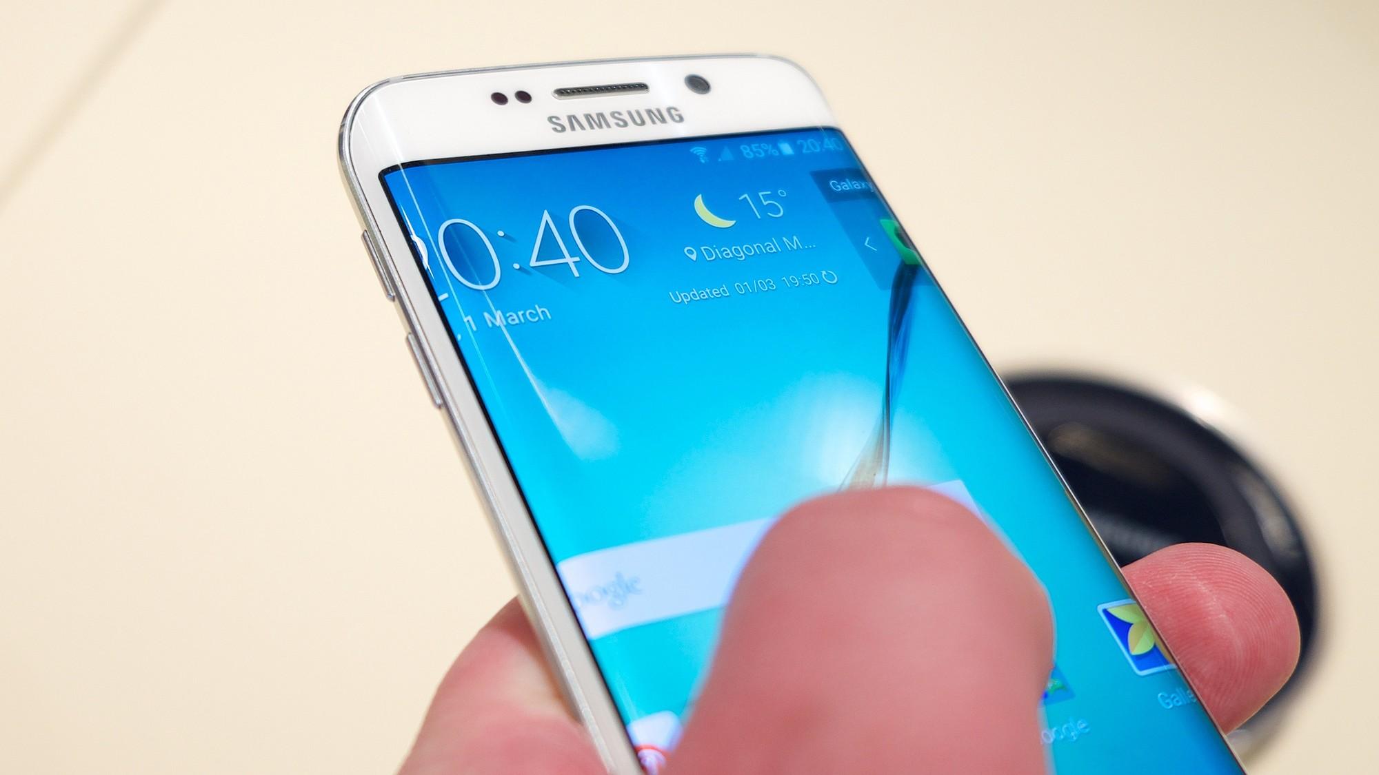 Hacker Says He Broke Through Samsung's Secure Smartphone