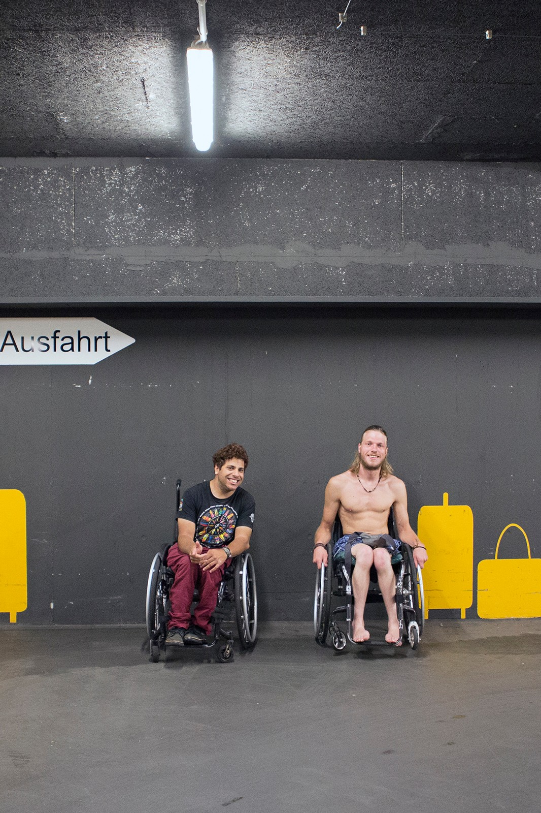 Rollstuhl sex Rollstuhl Porno