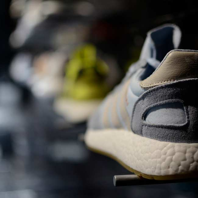 d760e924b40 Inside the Wild World of Sneaker-Buying Bots - Motherboard