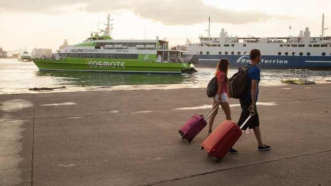 Το Φαινόμενο της Λαθρεπιβίβασης στα Πλοία που Πηγαίνουν στα Ελληνικά ... 7f50a043dcb