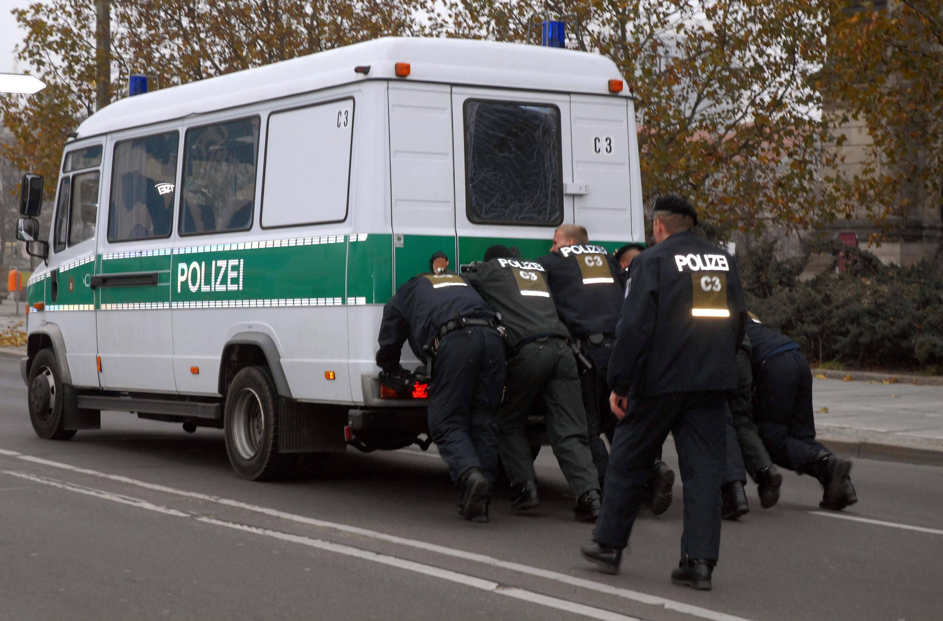 """""""Niemand will Bulle sein"""" – Ist der Polizeiberuf zu unattraktiv? - VICE"""