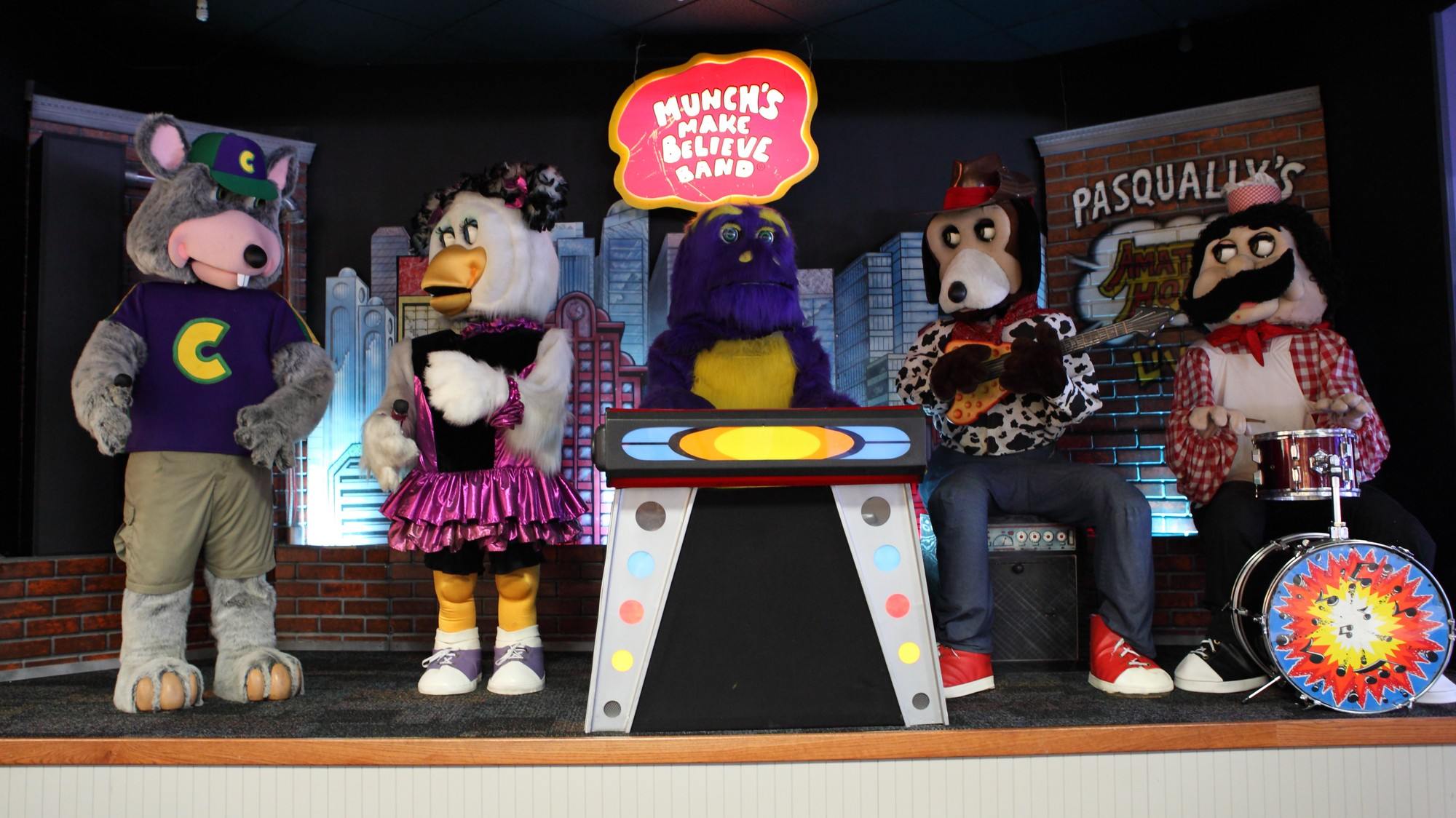 A History Of Chuck E Cheeses Animatronic Band Vice