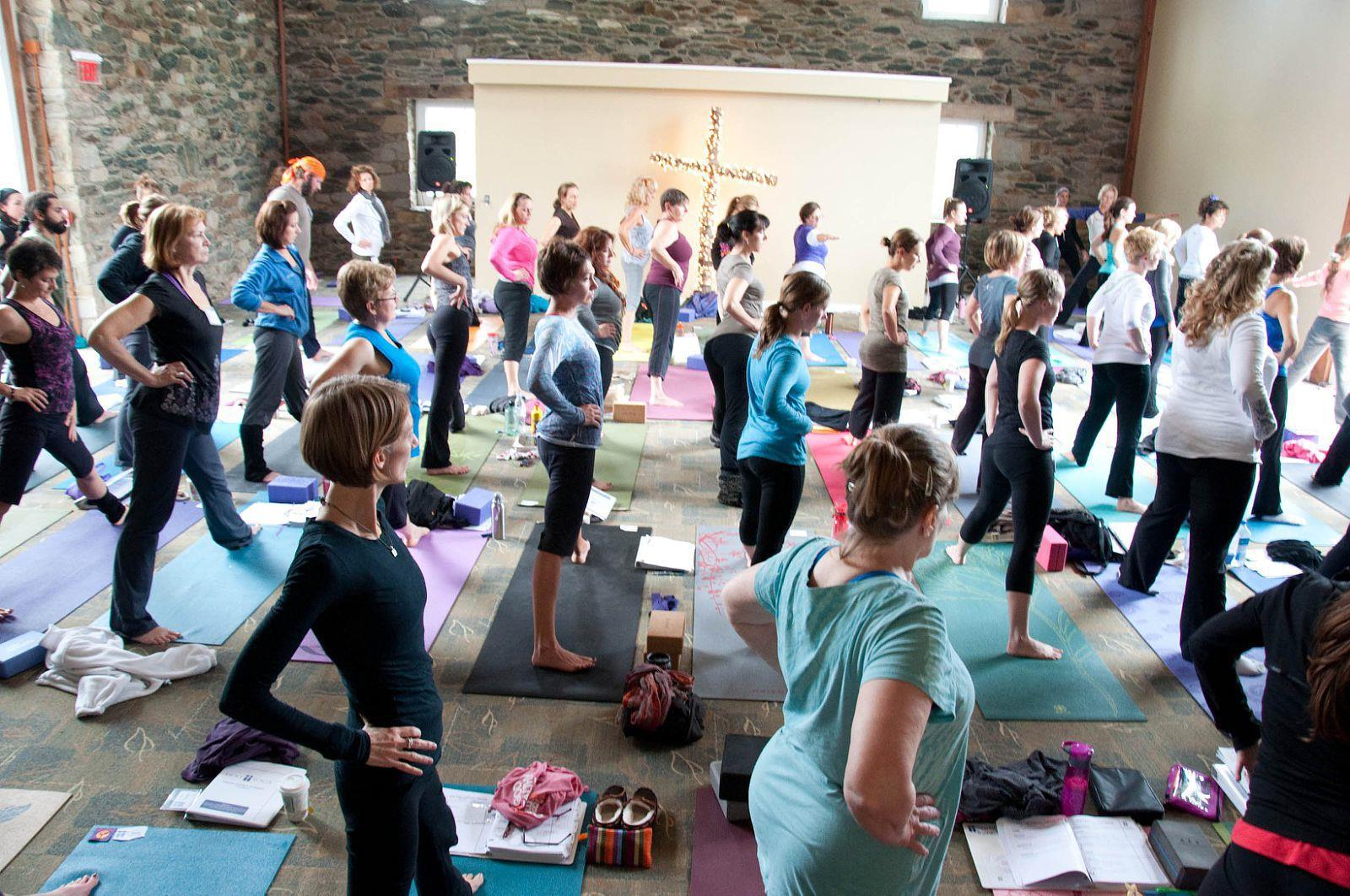 yoga and christianity The trouble with yoga michelle arnold a worldwide conspiracy among hindus to infiltrate the west and bring about the downfall of christianity through yoga.
