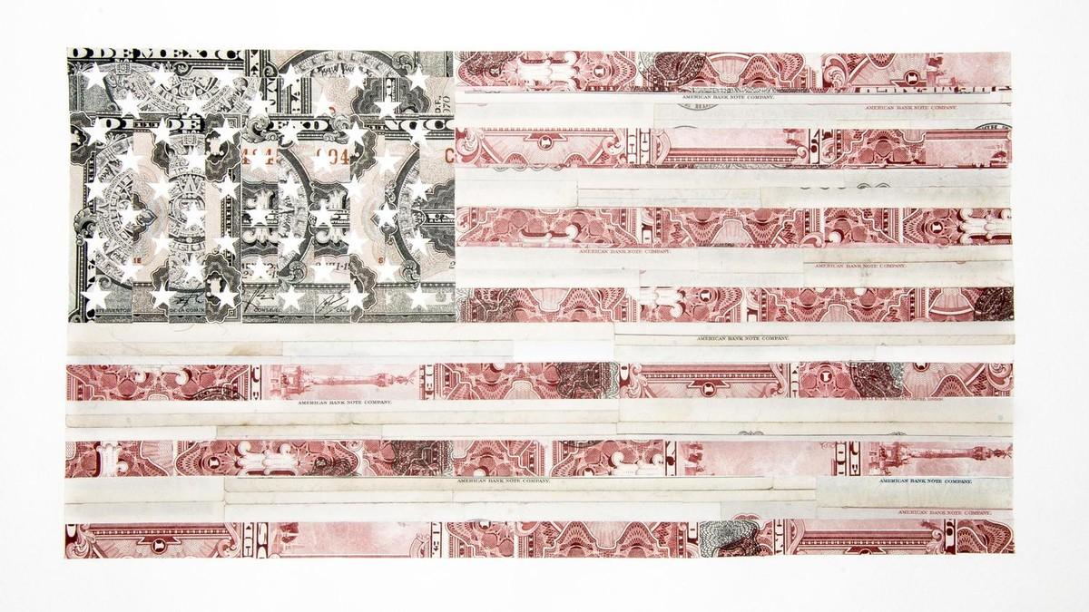 Conoce al artista que hace arte de pasaportes, dinero y documentos ...
