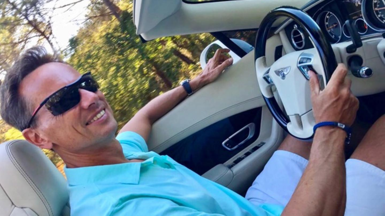 Mature blowjob in a car