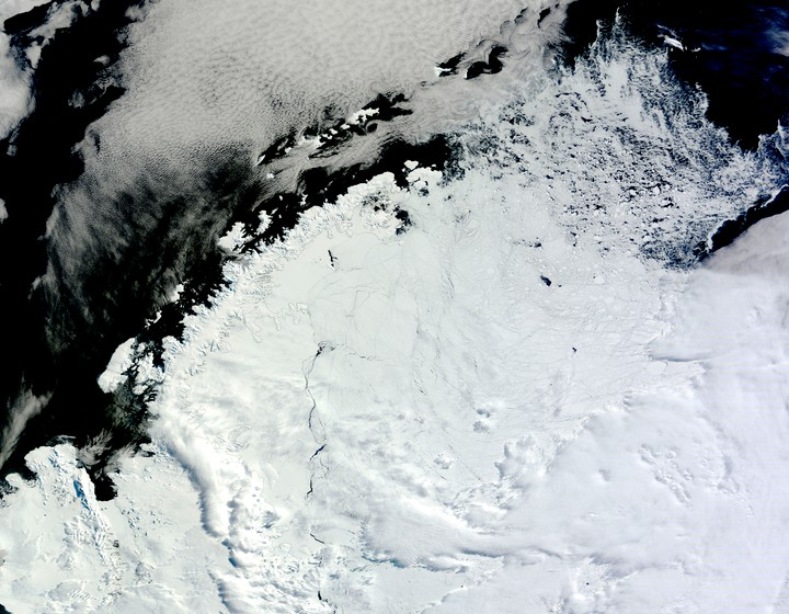 A Giant, Mysterious Hole Has Opened Up in Antarctica