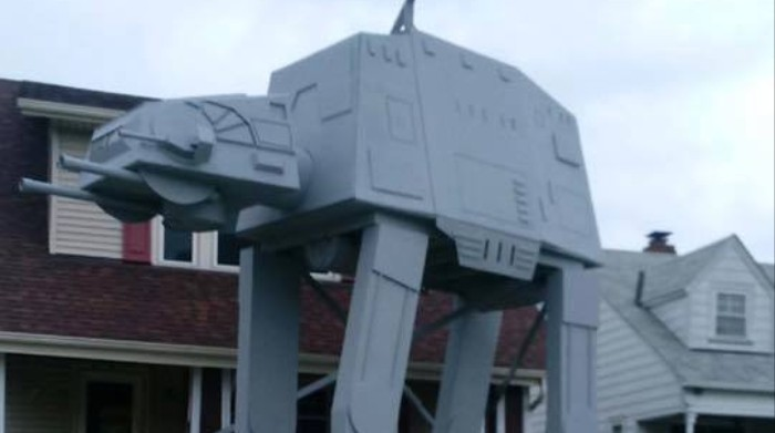 This Guy's Star Wars Halloween Display Will Put Your Dad's to Shame