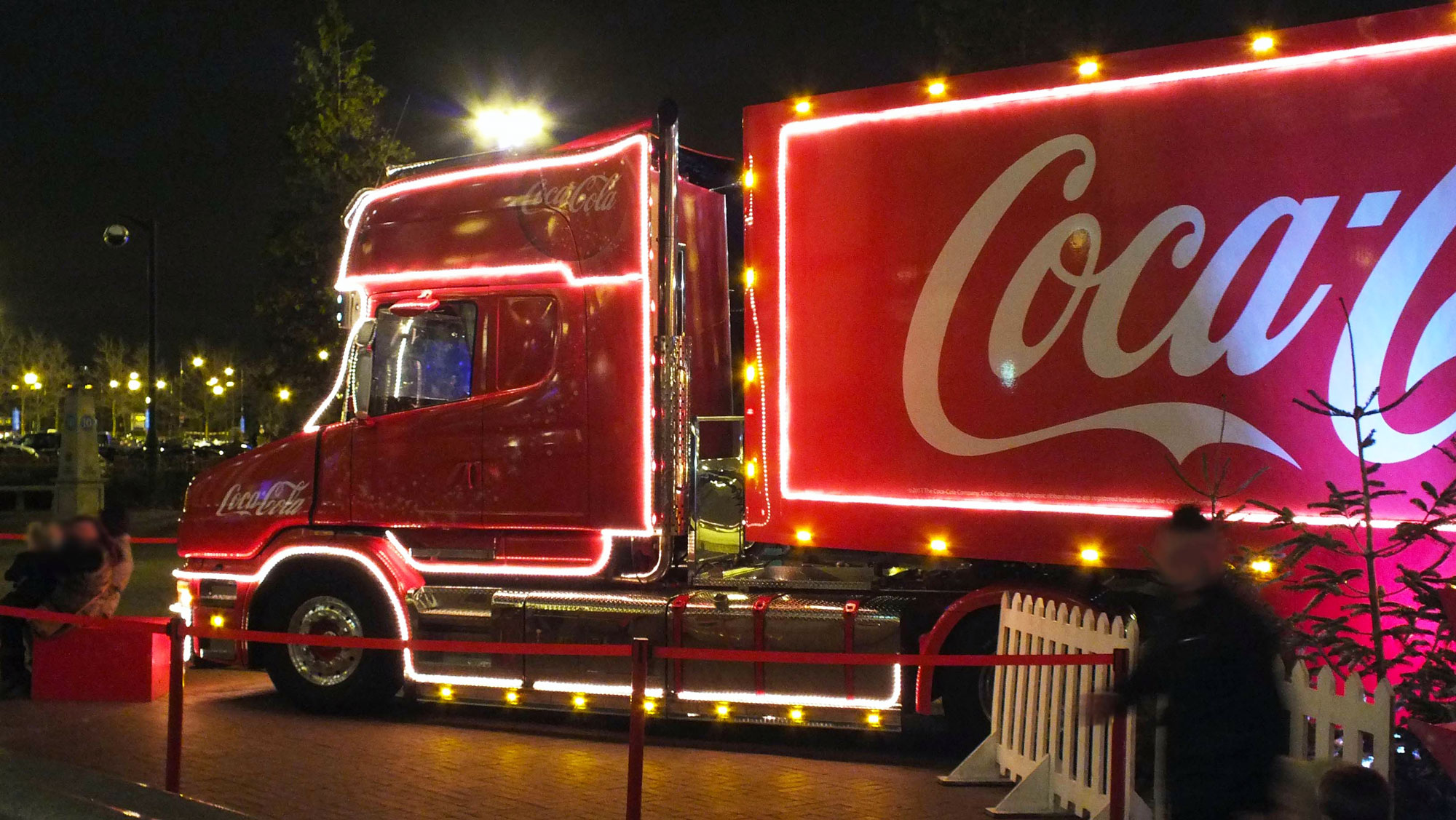 politician wants to ban coca cola from handing out free drinks at christmas munchies - Coca Cola Christmas Commercial