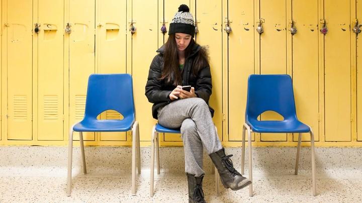 Por que adolescentes estão fazendo cyberbullying com eles mesmos?