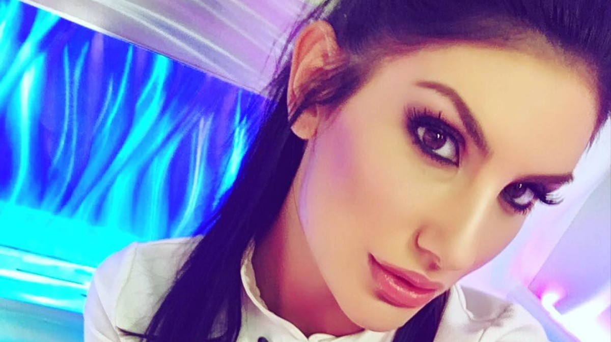 Snap august ames