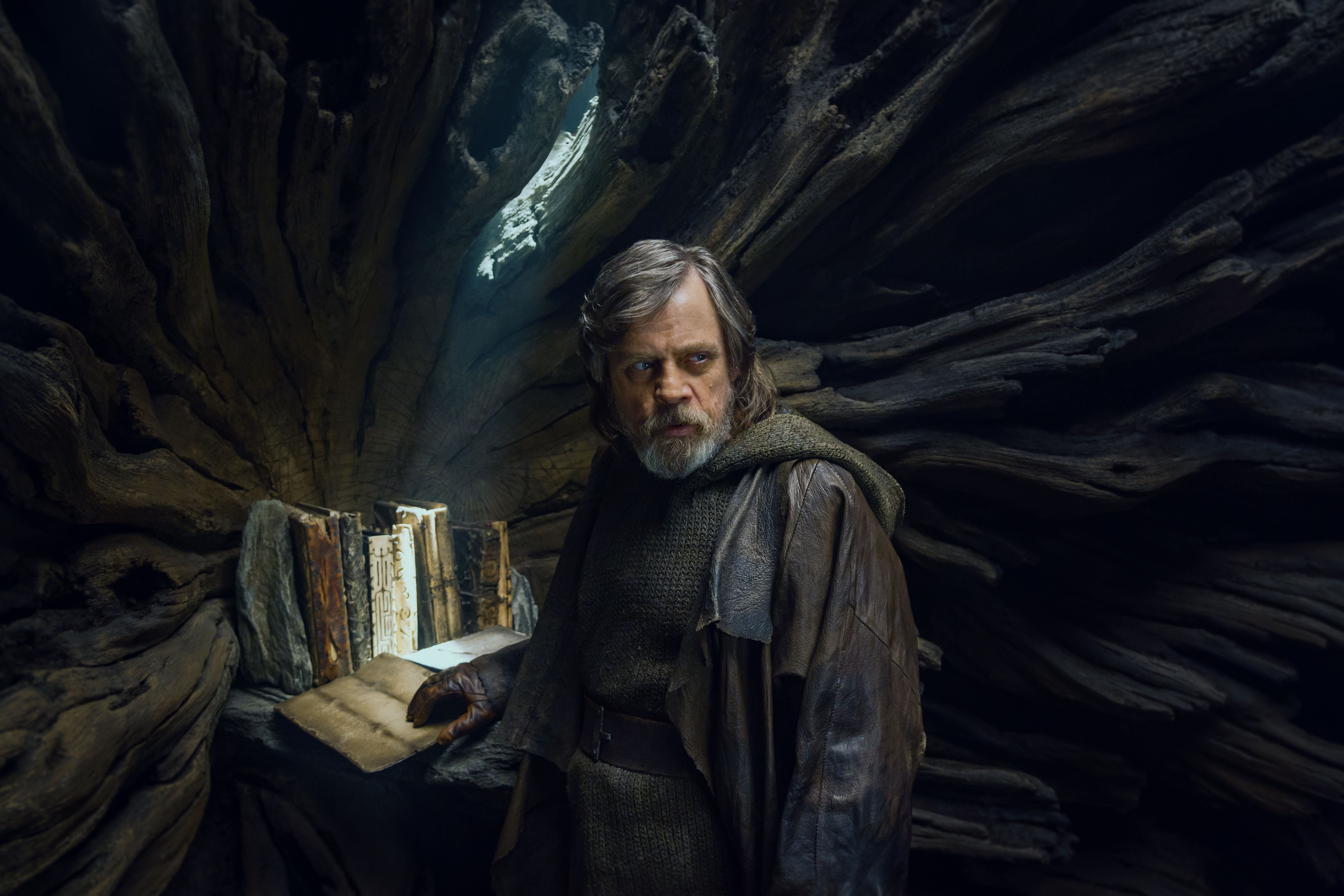 Star Wars The Last Jedi Redeems The Prequels Motherboard