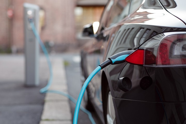 The US Energy Grid Is Making Electric Cars Dirtier Than They Should Be