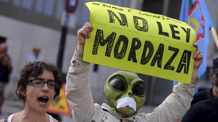 Así funciona la censura legal en España