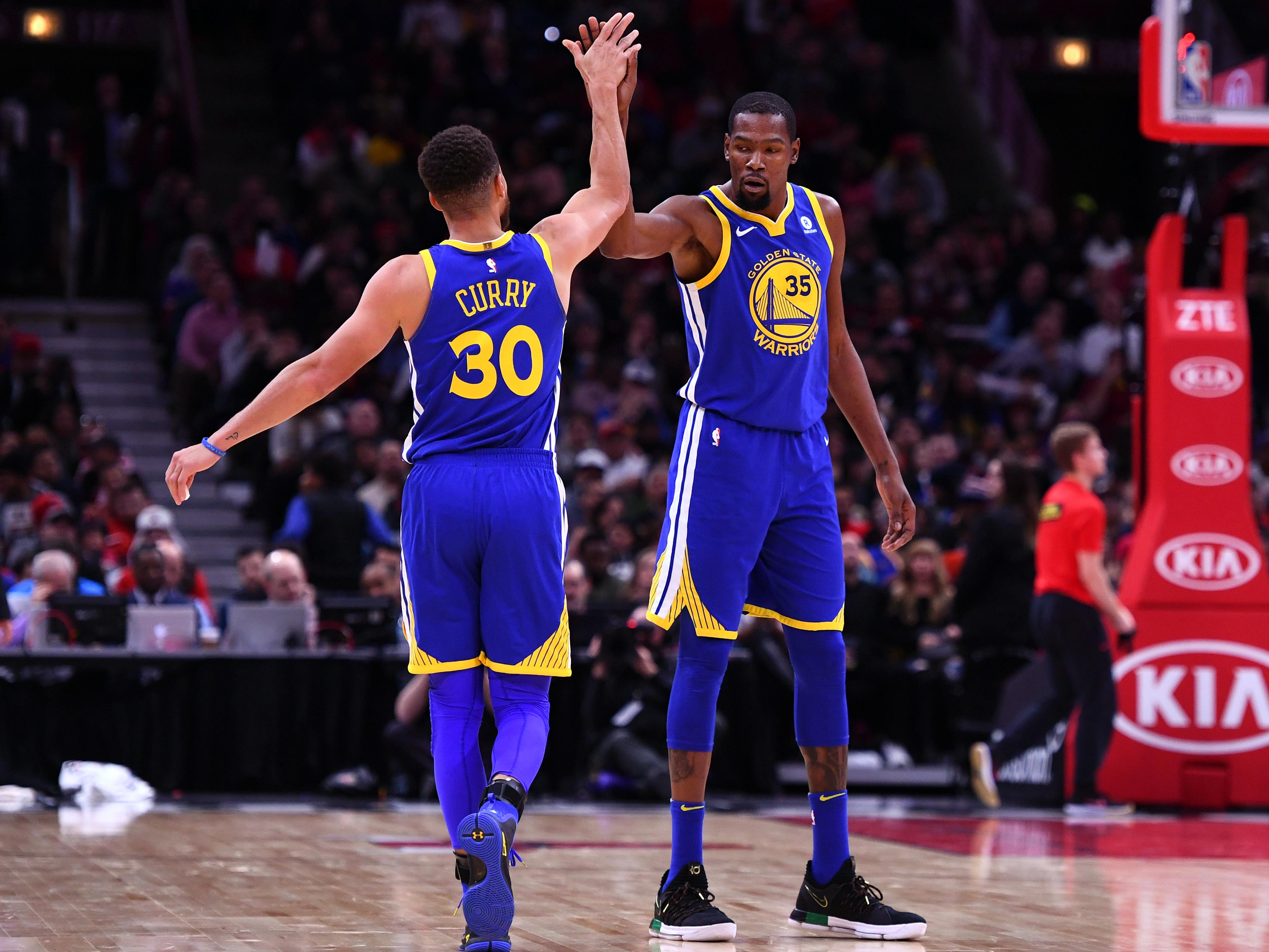 The outlet pass games in steph curry and kevin durant are a