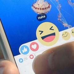 Sexuelle anspielung emoji English ⇔
