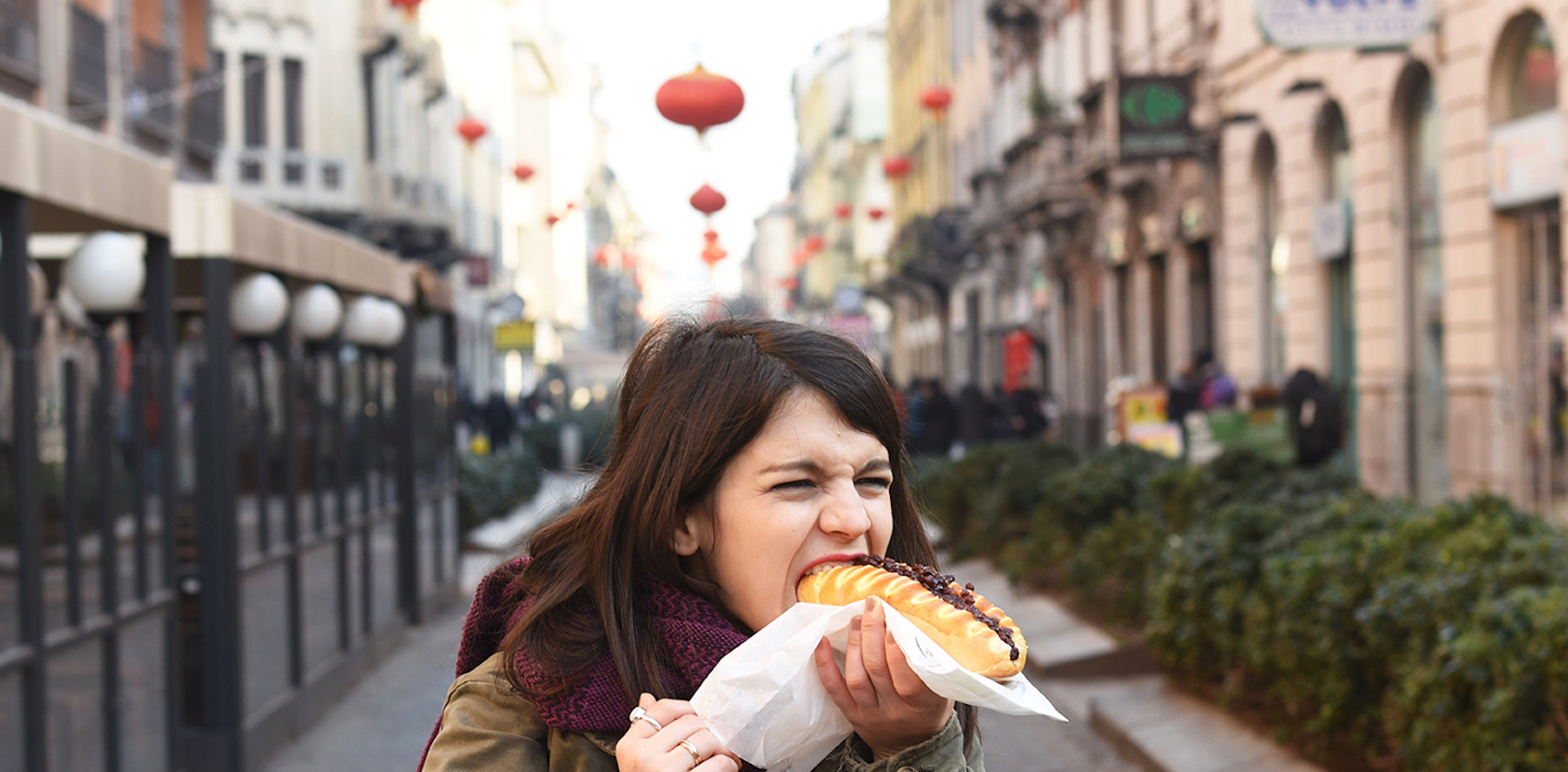 cinese con grande peneHorney e bagnato