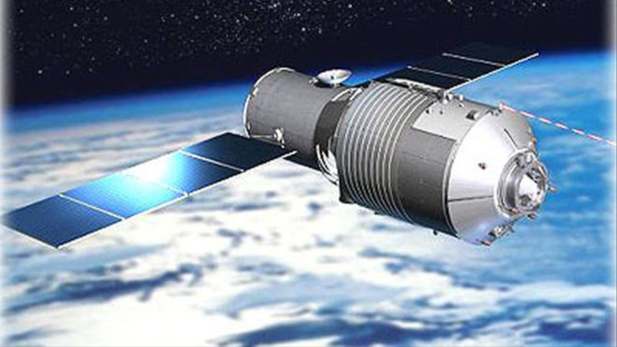 Why Is China Burning Up Its Space Station in the Sky?