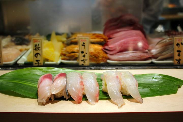 How to Eat Sushi, According to Tsukiji Fishmongers