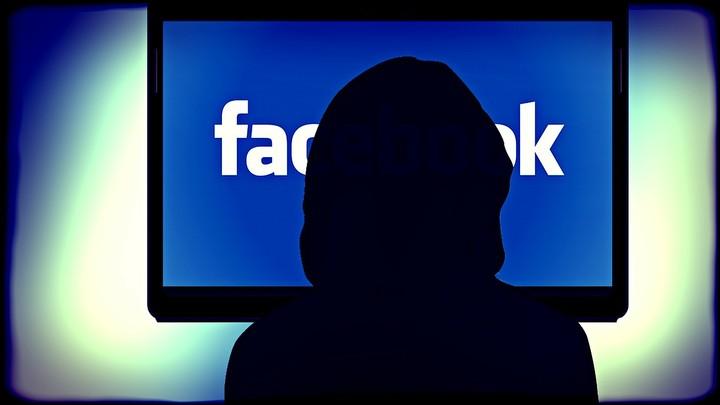 Se vuoi cancellarti da Facebook, prima friggi i tuoi dati