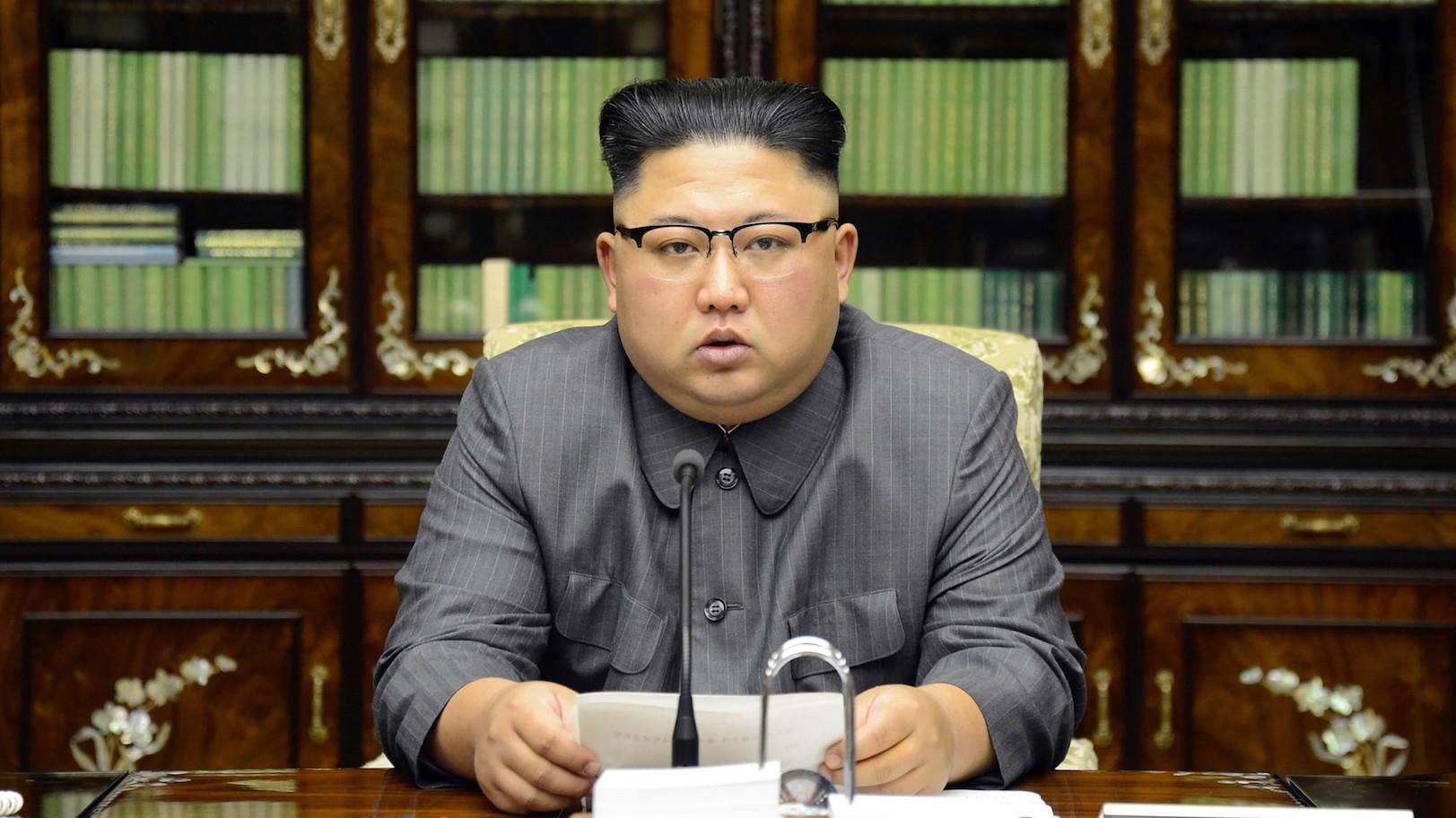 """""""كيم"""" يعلن وقف التجارب النووية والصاروخية لكوريا الشمالية"""