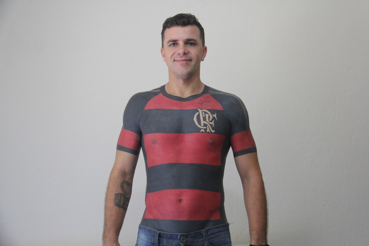 e3dba0c27 This Guy Tattooed an Entire Soccer Jersey on His Torso - VICE
