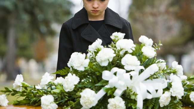 Mothers Depression When Kids Are Young >> How The Death Of A Parent Affects A Child Vice
