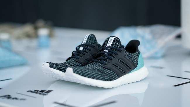 Plastic Vice Into Is Adidas Turning Ocean Footwear gyIvb7mYf6
