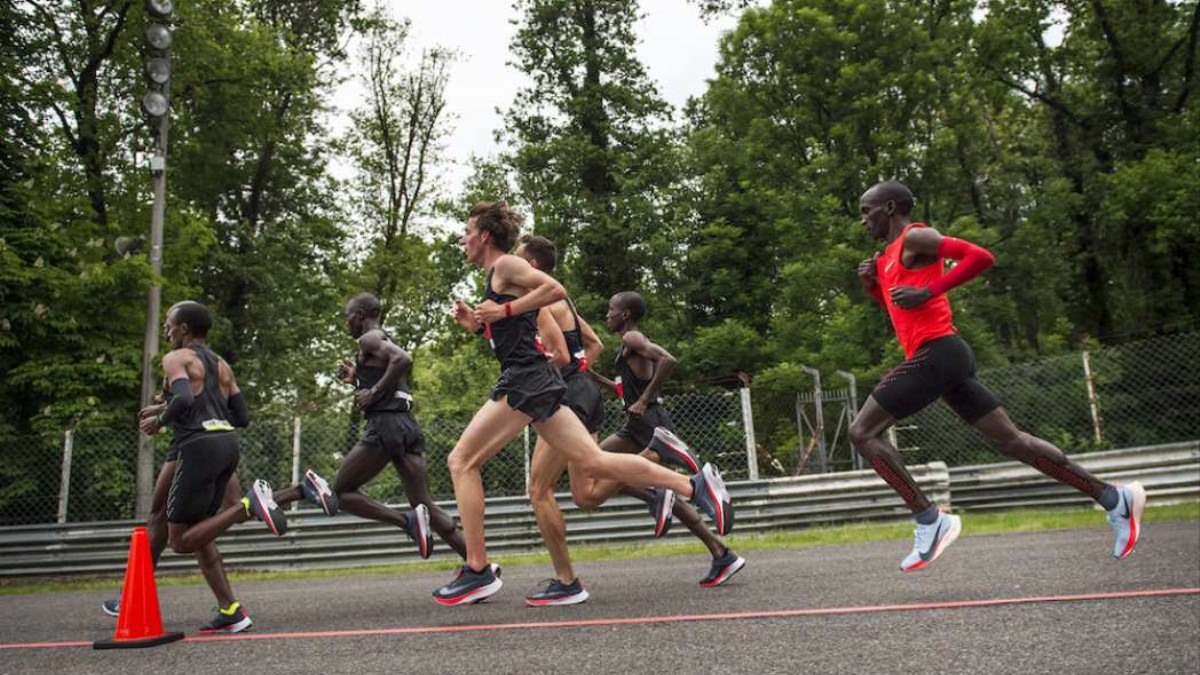 Di Roulant Un I Idea Nelle L'ultima D Tapis Vostre Nike Scarpe qg5yX