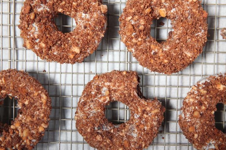 Chocolate Eclair Doughnuts Recipe