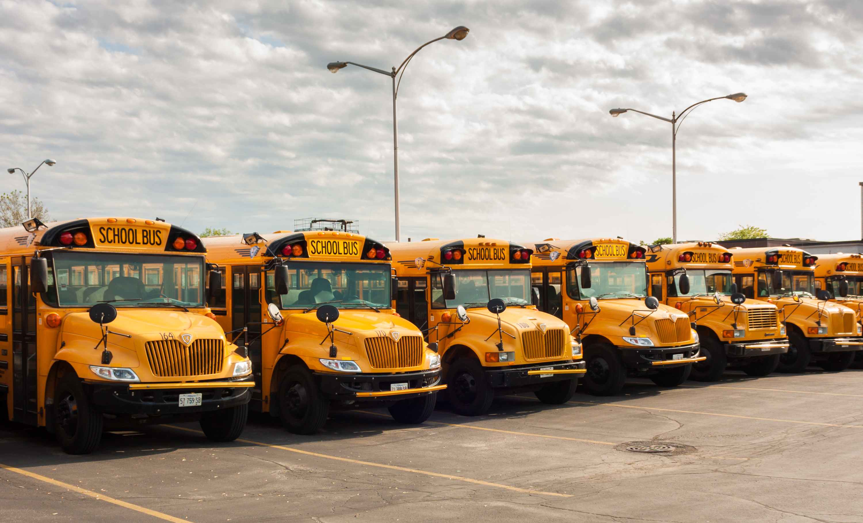 Electric School Buses Can Be Backup Batteries For the US Power Grid -  Motherboard