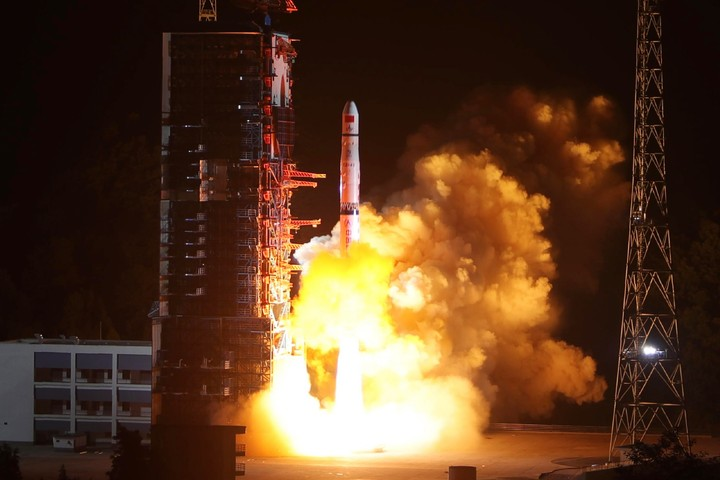 China Wants to Be the First Country to Land on the Far Side of the Moon