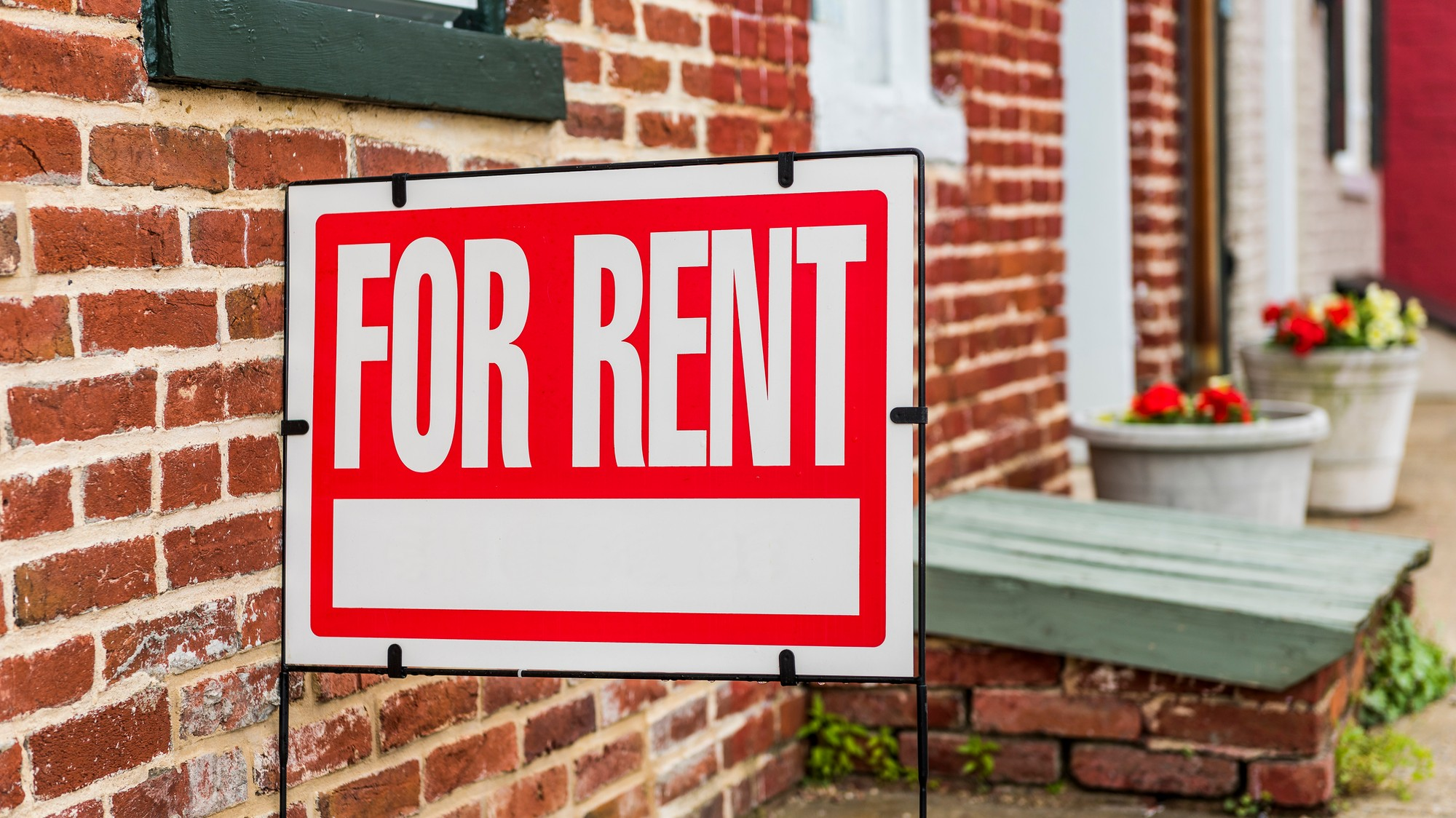 Never Sign an Apartment Lease Without Doing These Things