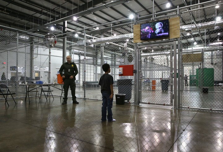 What Separating Migrant Families at the Border Actually Looks Like