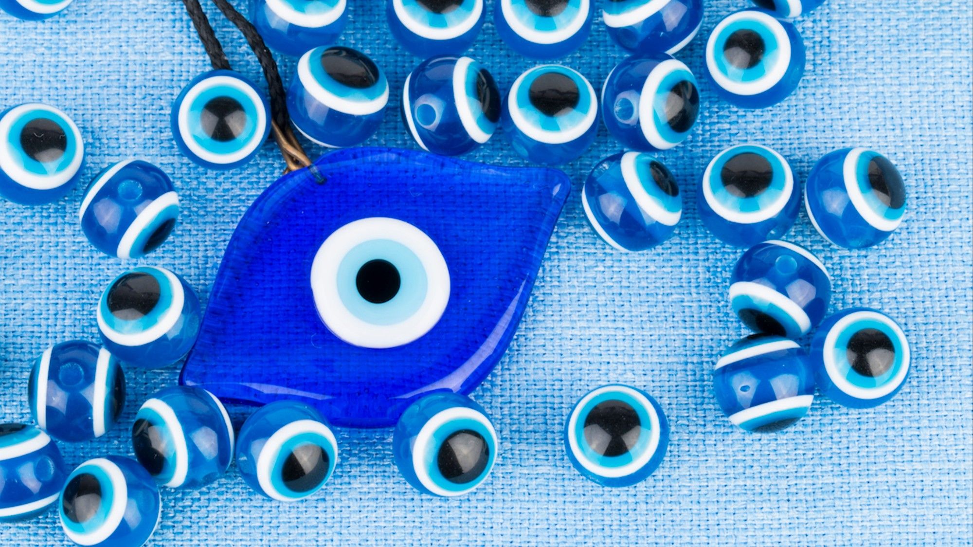The Meaning Behind the Evil Eye Symbol You See Everywhere - VICE