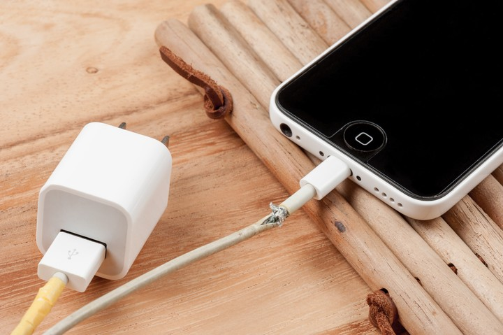 Why Counterfeit Lightning Cables Kill iPhones