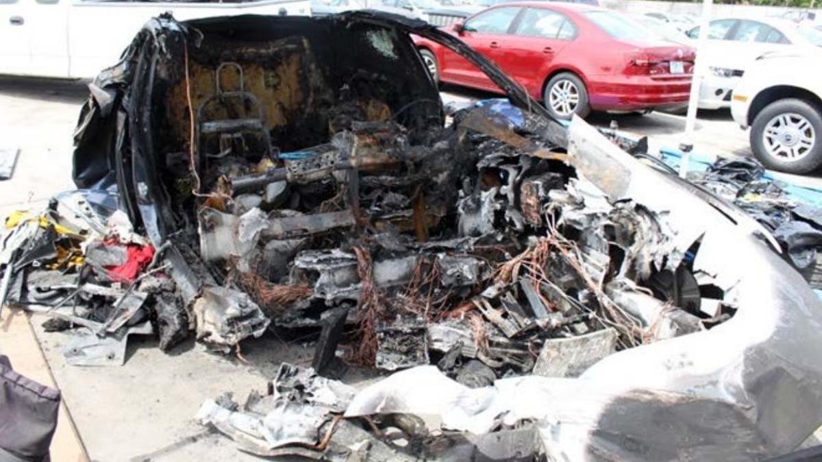 Tesla Battery Caught Fire Twice After Fatal Crash, Investigation Finds