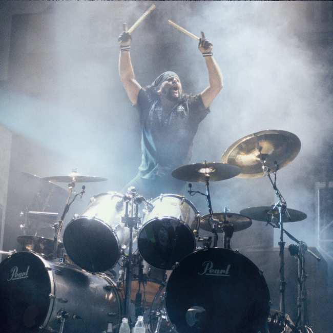 71c3d75f Why Vinnie Paul's Fun-Loving Legacy Is So Important to Metal - VICE