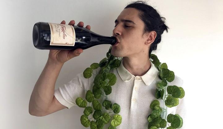 La storia del Fragolino, il vino dolce illegale che può letteralmente ucciderti