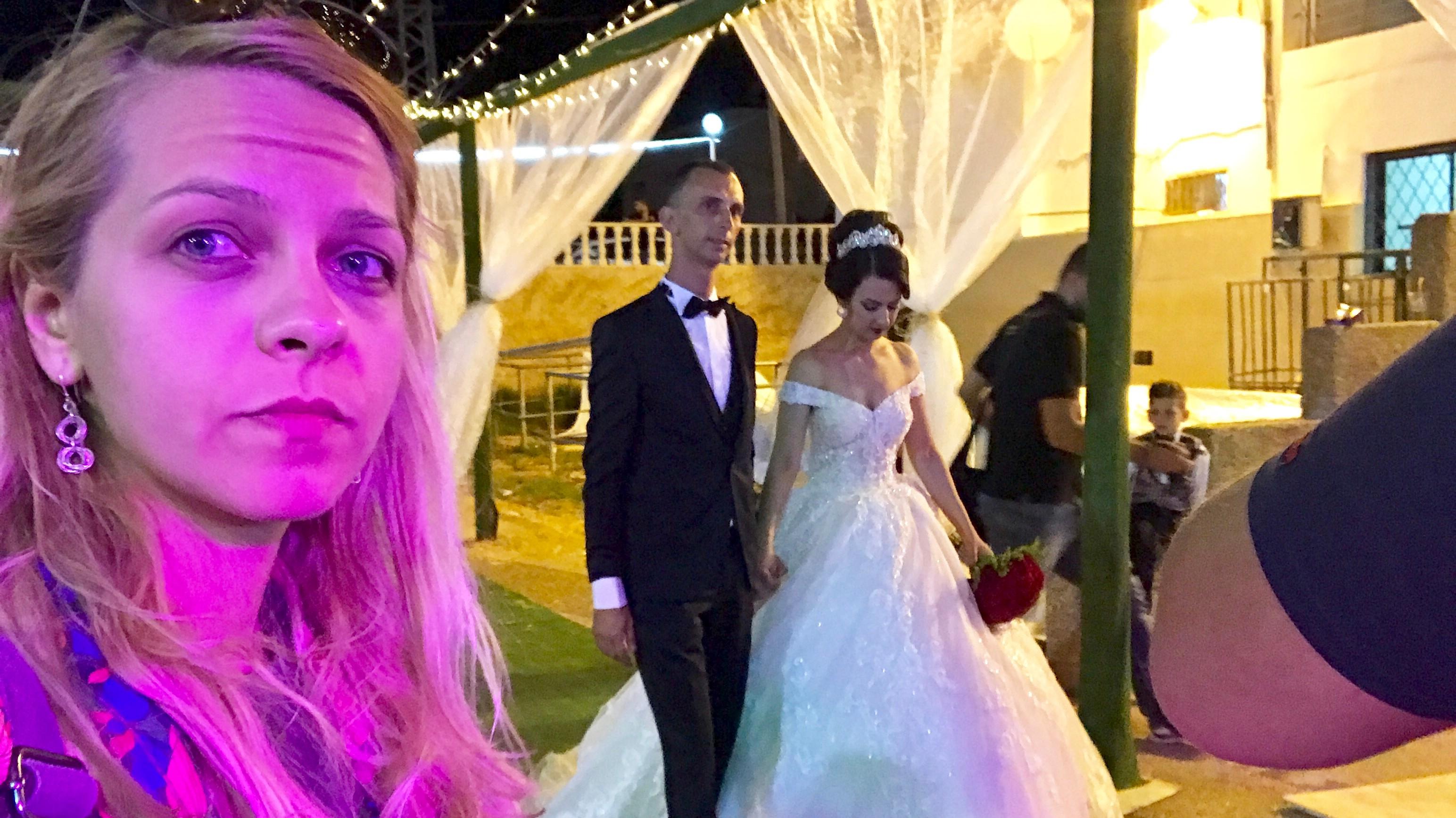 Fetele cauta om pentru nunta)