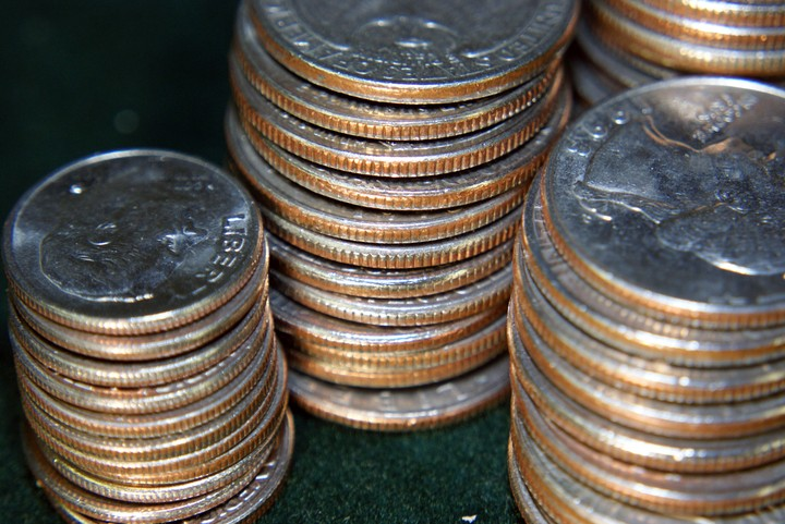 Restaurant Publicly Shames 17-Year-Old Kid for Paying Bill with Quarters
