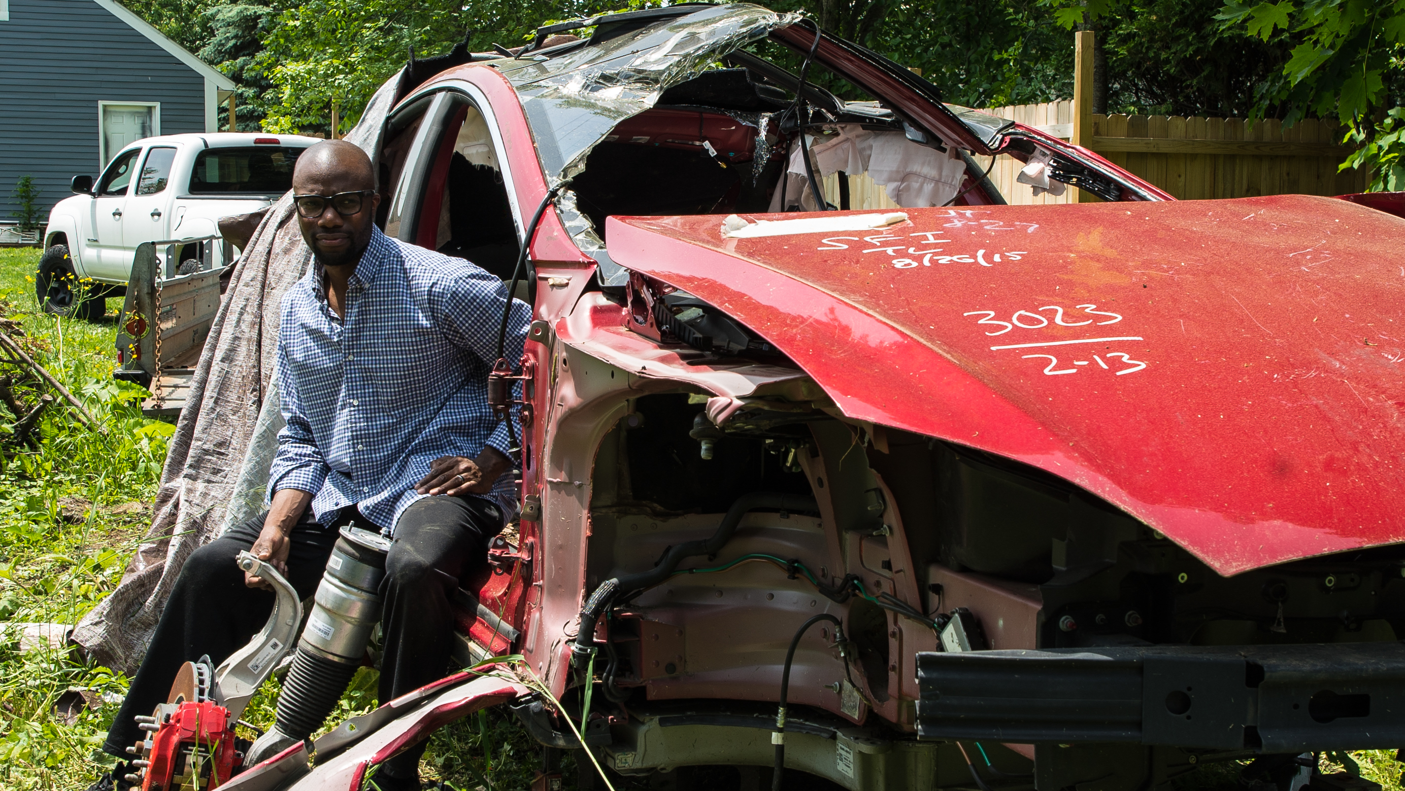 The Rogue Tesla Mechanic Resurrecting Salvaged Cars - VICE