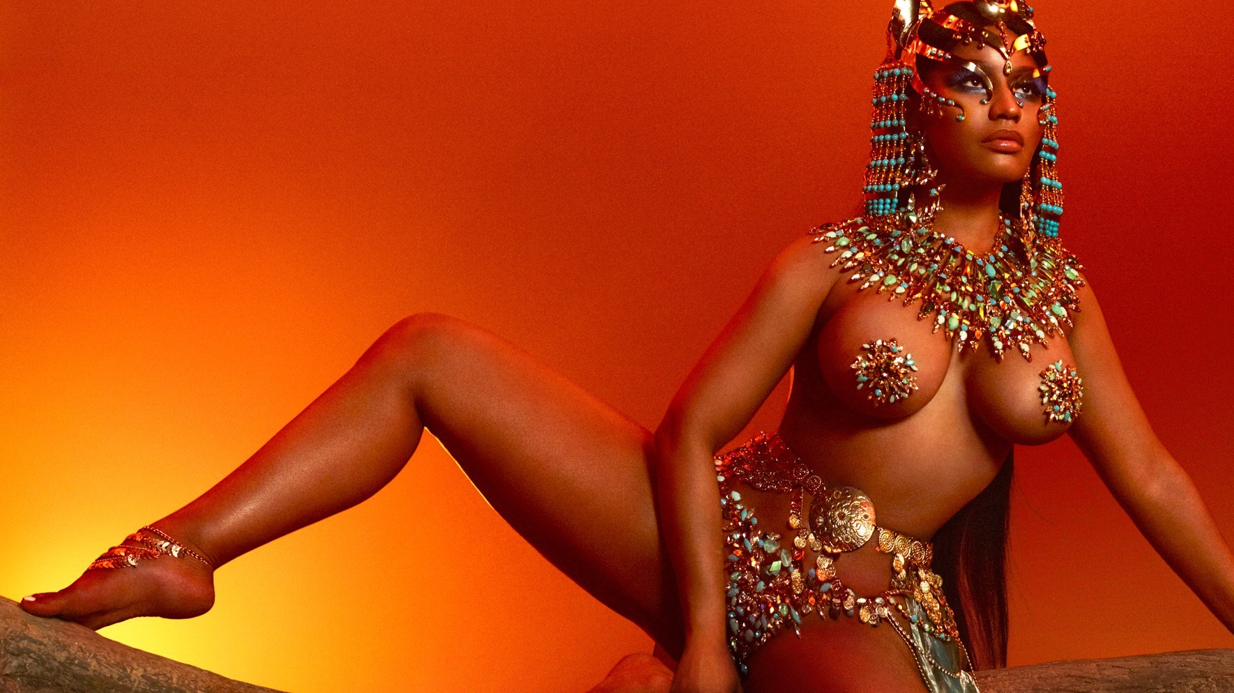 nicki minaj may still be the queen  but is her crown