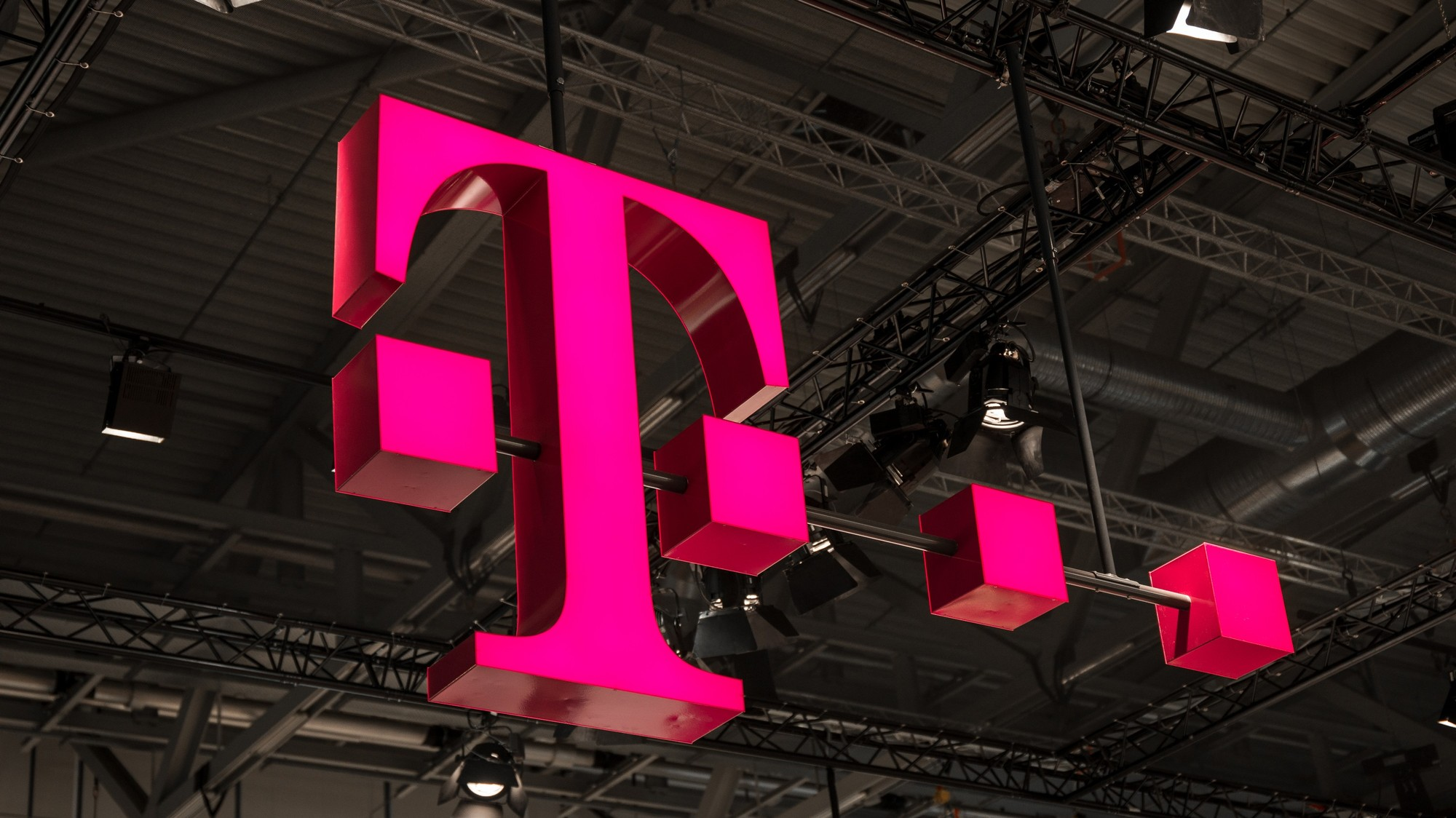 Hackers Stole Personal Data of 2 Million T-Mobile Customers