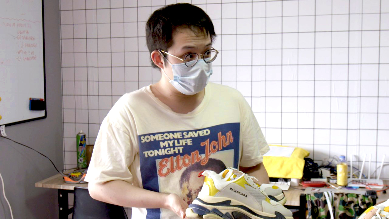 This fake sneaker king's operation made millions on Reddit  Then it