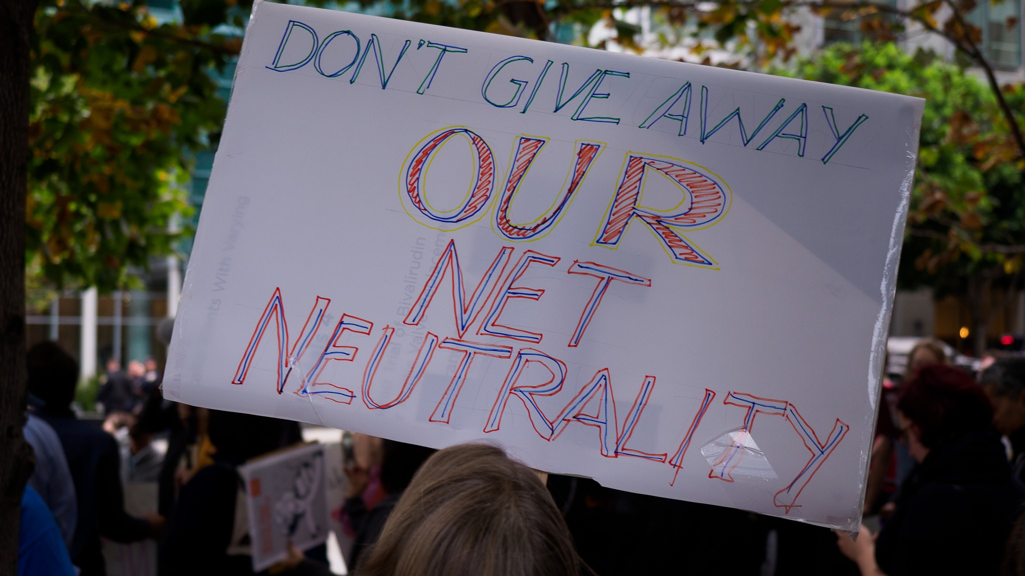 Big Telecom Is Using Robocalls to Fight a Net Neutrality Bill in California
