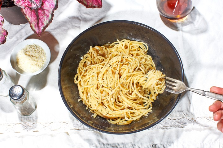 Easy Cacio e Pepe Recipe