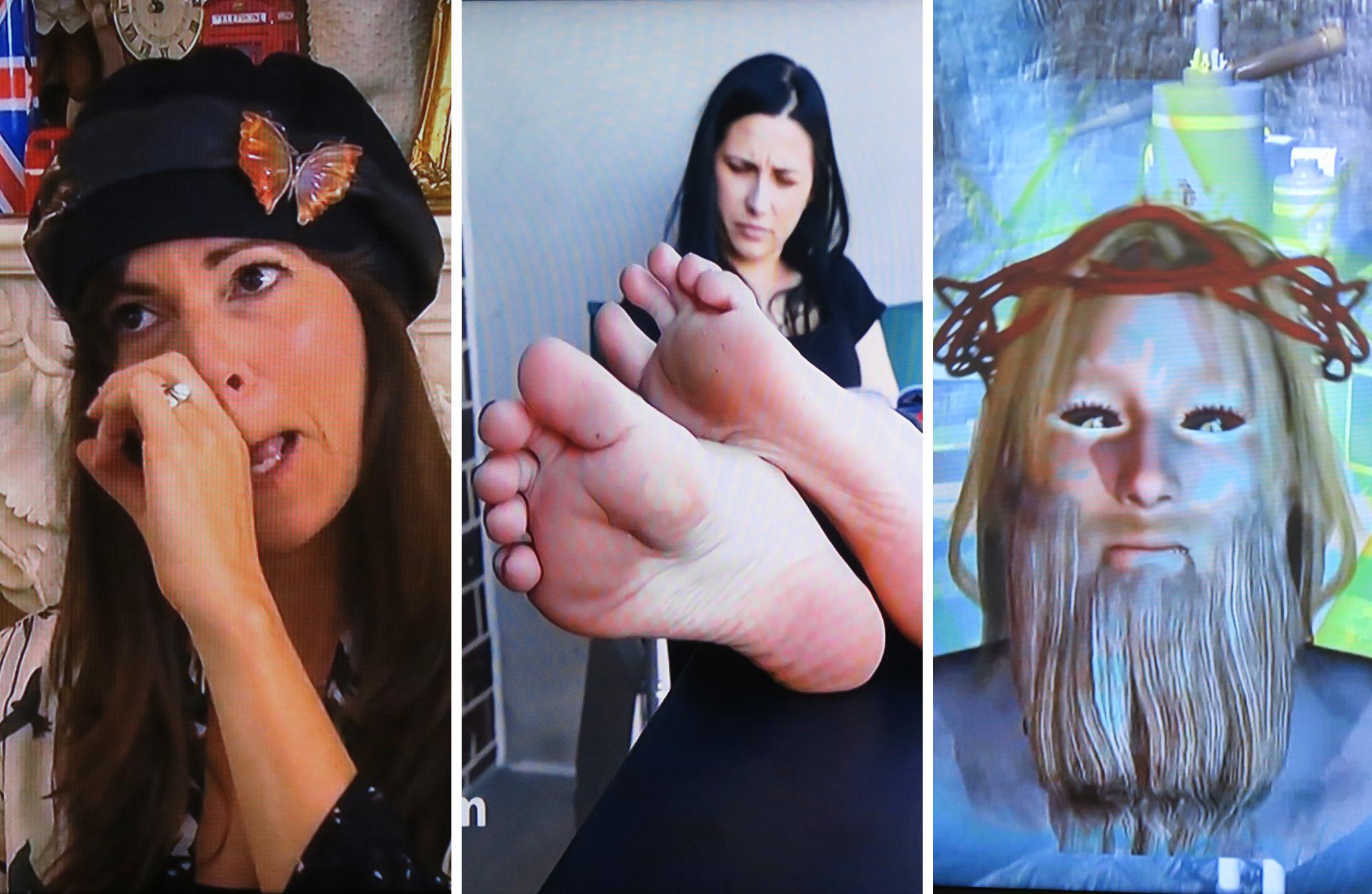 Foot lesbian live