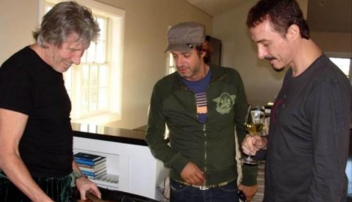 El día que Roger Waters grabó con Cerati, Shakira, Eric Clapton y Pedro Aznar