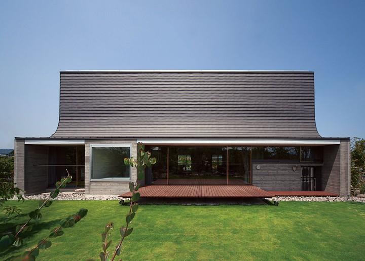 10 Incredible Japanese Houses